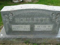 Bessie Dean <i>Scott</i> Houlette