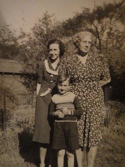 Geraldine Edith <i>Carter</i> Baker Hahn