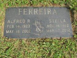 Stella <i>Medeiros</i> Ferreira
