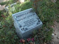 Johanna J Acosta