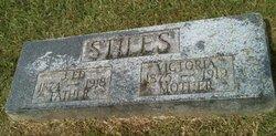 Victoria <i>Graham</i> Stiles