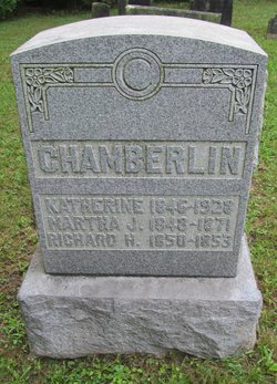 Martha J Chamberlin