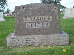Mildred Helen <i>Seyfried</i> Beiter
