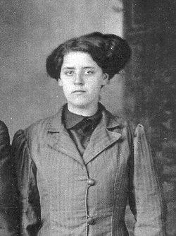 Lenna F <i>Wilburn</i> Earp
