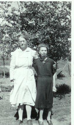 Mary Ellen <i>Casto</i> Kiser