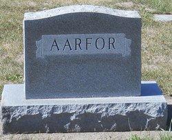 Leif J Aarfor