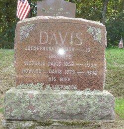 Howard L Davis