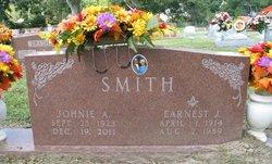 Johnie Aline <i>Thedford</i> Smith