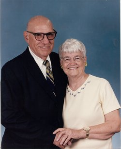 Betty Lee <i>Atkinson</i> Arnold