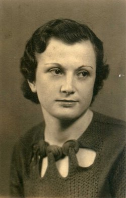 Emma M. <i>Pellegrino</i> Adams