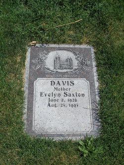 Evelyn Jean <i>Saxton</i> Davis