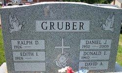 Daniel J Gruber