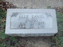 Ollie <i>Daniels</i> Hobbs