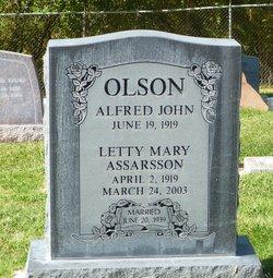Laetitia Letty <i>Assarsson</i> Olson