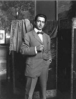 Francis Luis Mora