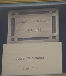 Leon Lewis Paris Strauss