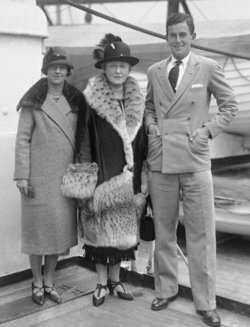 Louise Astor <i>Van Alen</i> Saunderson