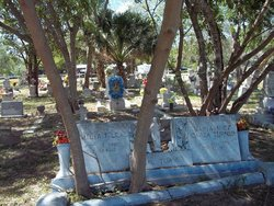 La Capilla Cemetery