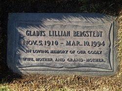 Gladys Lillian <i>Larson</i> Bergstedt