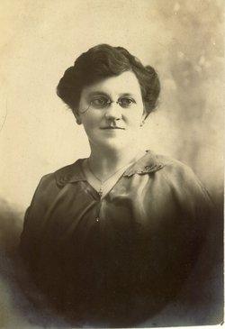 Minnie L. Lindsay