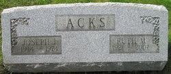 Ruth M Acks
