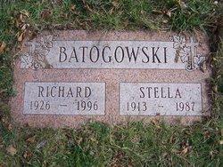 Richard D Batogowski