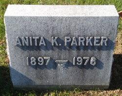 Anita Henzler <i>Kisz</i> Parker