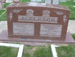 Gusta Alperson