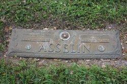 Rosario Asselin