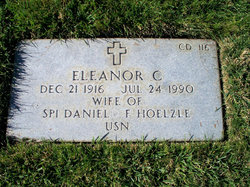 Eleanor C Hoelzle