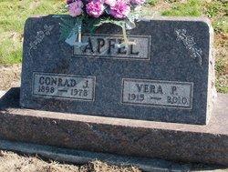 Vera Pearl <i>Bidlack</i> Apfel