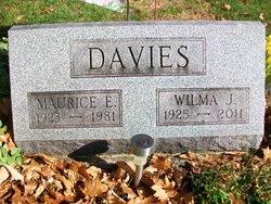 Wilma J <i>Luckey</i> Davies
