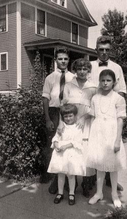 Ernestine Bertha Ernie <i>Sanders</i> Strelesky