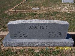 Vera Mae <i>Tomlinson</i> Archer