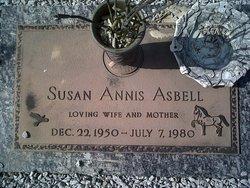 Susan Annis <i>Langford</i> Asbell