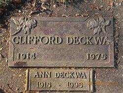 Clifford G Deckwa