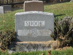 Eva <i>Hand</i> Shook