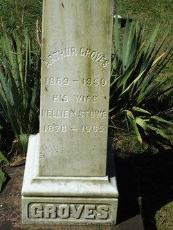 Nellie Maud <i>Stowe</i> Groves