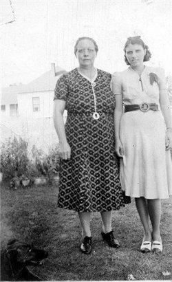 Mary Ruth <i>Perry</i> Hundley