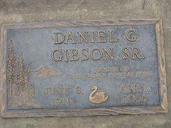 Daniel G Gibson