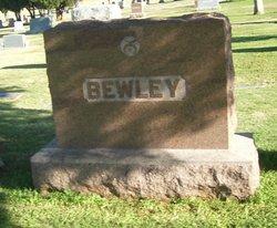Erle G Bewley, Jr