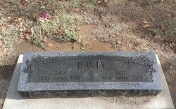 Esta Davis