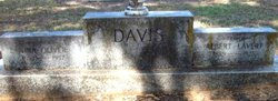Nina <i>Oliver</i> Davis