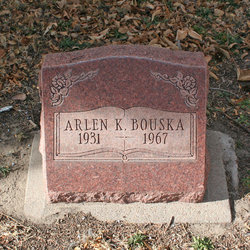 Arlen K Bouska