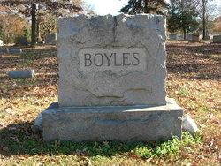 Flona Elizabeth <i>Maness</i> Boyles
