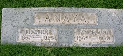 Angela <i>Quintana</i> Anaya