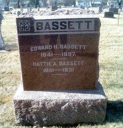 Harriet Amanda Hattie <i>King</i> Bassett