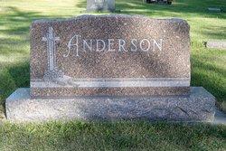 Merle E Anderson