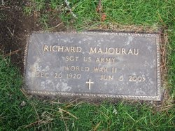 Richard D Majourau
