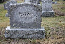 Rose E Snow